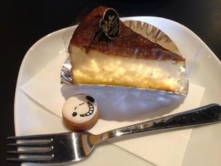 カフェ ラアンカー - チーズケーキセット 750円~800円 → 500円(ランパスvol.11提示)