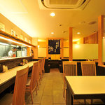 鹿児島酒処 ふるさと - 落ち着いた和食ムードのテーブルカウンター席