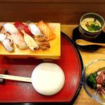 鮨こにし - 料理写真:ランチは1000円