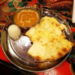 スノーライオン - インドカレーセット(チーズナンにて)