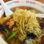 五芳厨 - 麺リフトアップ
