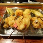 串かつ 七福神 - チーズちくわ・チーズ・紅しょうが・アスパラ110円 若鶏165円
