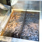 釧路食堂 - 釧路の鳥松直伝の油