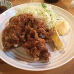 昭和軒 - 若鶏の鶏唐揚げ380円