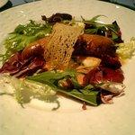 84390 - 前菜真鱈と白子のソーセージタラコクリームソース