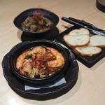 84001487 - 海老ときのこのアヒージョ&赤センマイ味噌煮込み