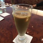 84001826 - ¥1,200のカフェ・オ・レですよー、ひゃあ〜高いなぁ〜〜