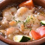 トラットリア・クラウディア - エビと野菜のアヒージョ