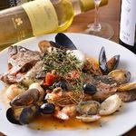 トラットリア・クラウディア - 一匹丸ごと!鮮魚のアクアパッツァ