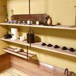 ながら茶房 本寿院 - お水屋にも美しい器などが並んでいました