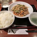 84005821 - ニラレバ野菜炒め550円