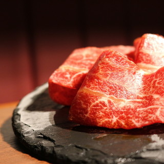 """数々の生肉が食べれる""""認定生食用食肉許可取得店。"""