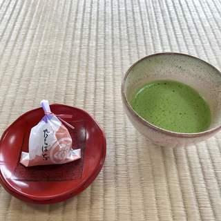 鳳翔台 - ドリンク写真:お抹茶 お菓子付き