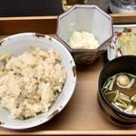 御料理山もと - あさりご飯、味噌汁
