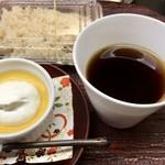 御料理山もと - コーヒー、カボチャプリン
