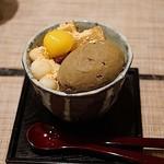 まちかどマルシェ Norakuro - ほうじ茶アイスとわらび餅の和風パフェ