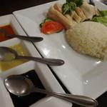 84009641 - 海南鶏飯