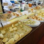 マカロニ市場 - パン食べ放題