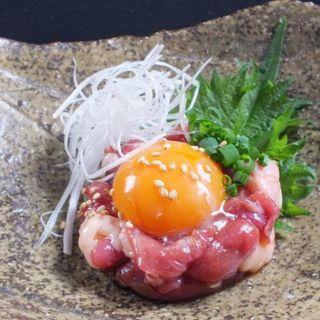 最高級の国産鴨を一番美味しく食べられる【国産鴨のユッケ】