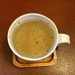 ジャム cafe 可鈴 - 食後のドリンク『クーリー(ホット)』はスーッとくるような爽やかな香りと甘みのある味わいが特徴のハーブティーです。