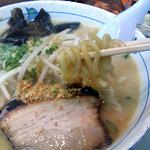 らぁ麺 波 - 塩らぁ麺の麺