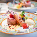 創作料理 宿 - フランボワーズとチョコレートのムース、 桜餡のシガレット、 バニラアイスクリーム
