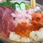江戸前寿し食べ放題 漁師料理の店 うみめし - まかない丼