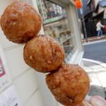 ポッポしゃん - カリッと揚げられた鶏肉団子。軟骨入りです。