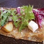デッサン プリュス - 相方 全粒粉のクレープ 生ハムと新じゃが、パルメザンチーズのサラダ仕立て