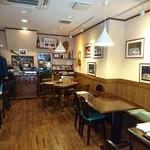 蕎麦倶楽部 佐々木 - 内観     小さなお店です    クラッシック音楽が 好きなんですね