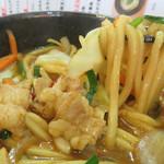博多うどん処 泰吉 - うま辛コク味噌味がしみこんだ、やわもちうどんがとても美味しいです。