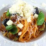 Bee - 茄子とトマトのスパゲッティ