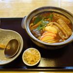 大吉 - 料理写真:親子味噌煮込みうどん(870円)
