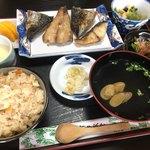 たかはし - 料理写真:焼魚定食800円。安い!