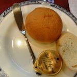 ブリッヂ - ブリッジコースのパン(バター)