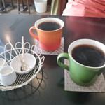 ニーゴー カフェ - 上がD、下がB