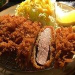 沖縄とんかつ食堂しまぶた屋 - やんばる島豚あぐーのももカツ