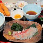 町家かふぇ 南風茶屋 - 料理写真:糸島の昆布〆鯛ごはんと海老フライの御膳