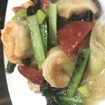 中国四川料理 錦水苑 - 海老と野菜塩味炒め