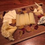 84047828 - 5種チーズの盛り合わせ
