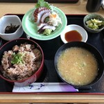 なぶら - たこ飯定食 1500円