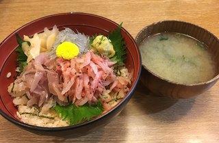 かもめ丸 - ぬまづ丼 味噌汁付き