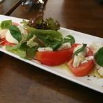 福生のビール小屋 - 2008/9 トマトとモッツァレラチーズのサラダ