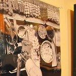 チキンボーイ - 店内にはたくさんの写真が飾ってあります。友達がとったものですがプロなみです(笑)