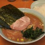 らー麺 家道 - 家系中華蕎麦(並)650円、麺柔らかめ