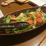 熟成肉&チーズの店 iQue' rico! ~ケリコ~  - 有機野菜サラダ