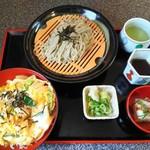 よし庵 - 料理写真:「丼と小そばセット・親子丼」900円