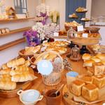 ヒヨリベーカリー - 料理写真:今日もおいしいパンびより♡可愛いパン屋さんhiyori bakery