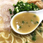 84061657 - 鶏白湯スープ