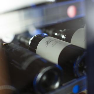 産地問わず本当においしいと思ったワインを取り揃えました。